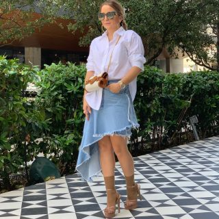 בעלי, כן בעלי, צילם את התמונות ההורסות האלה!!! מה אומרות עשיתי עבודה טובה🤗  . . פירוט הלוק בתיוג- לחצו על התמונה.  #fashion #style #fashionstyle #miami #miamibrickell #eastmiami #denim #denimskirt #zara #balmein #zarawomen #aldo #dior   @chaya_tunik  wig!!!!