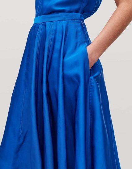 A symmetrical Skirt